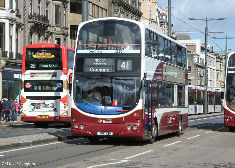 Lothian Buses 832 SK07 CBF
