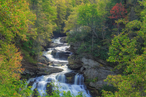 cullasaja cullasajafalls cullasajagorge northcarolina honeylocustplace honeylocust highlands mountains autumn fall color autumncolor fallcolor