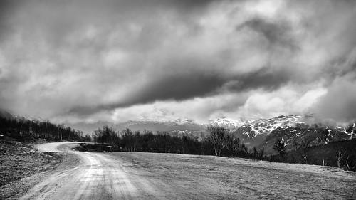 bw grøndalen hemsedal mountains norway blackwhite clouds landscape public rain road wallpaper