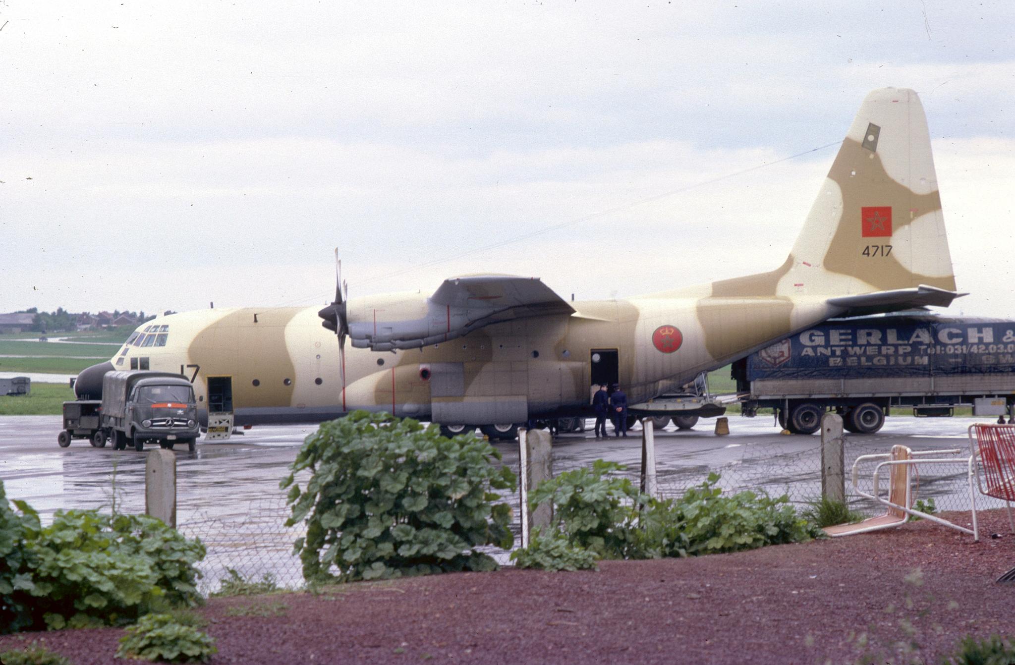 FRA: Photos d'avions de transport - Page 38 30519943444_9815e886e5_o