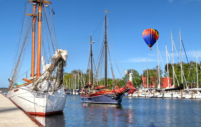 Coming home - ship & balloon harbor germany - re-up 11-2019