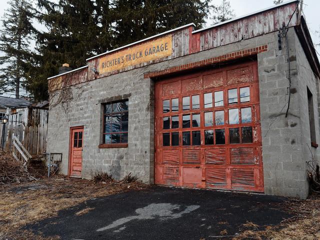 Richter's Truck Garage