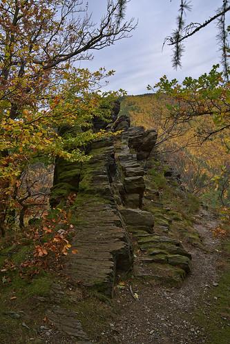 badblankenburg deutschland felsen landschaft rock bindseilfelsen schwarza schwarzatal thuringia thüringen autumn fall herbst
