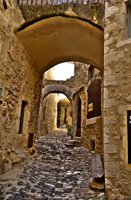 Antres pierres - Between stones