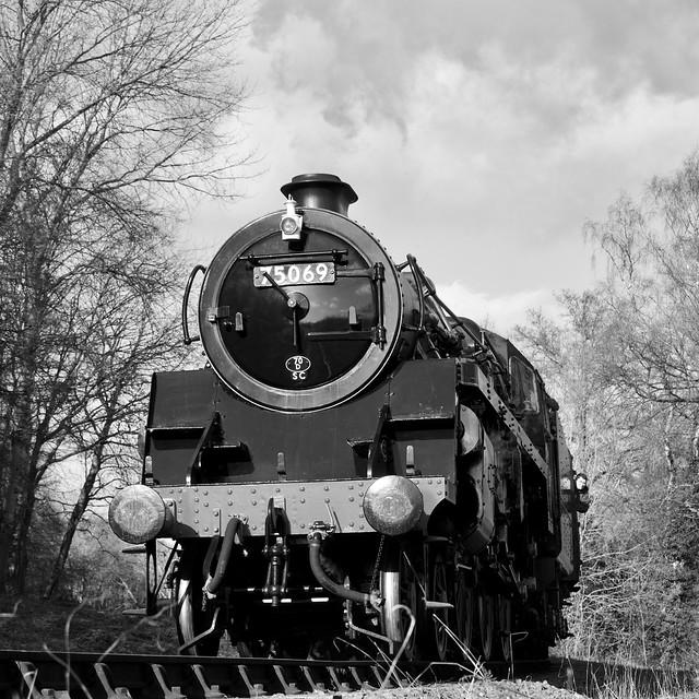 75069 heads towards Highley