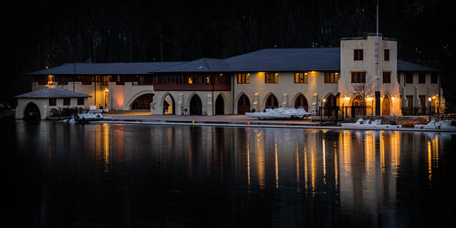 glow sunrise winter serene dawn newjersey outdoor boathouses mercercounty princeton rowing us universities reflections crew lake building lakecarnegie