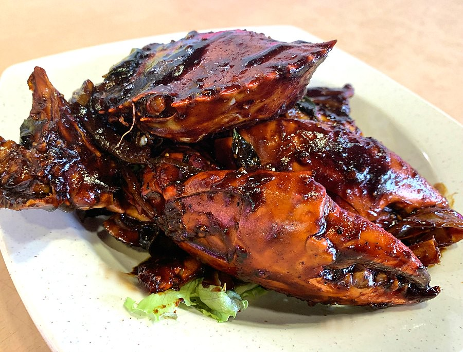 What to Eat in Singapore - Black Pepper Crab