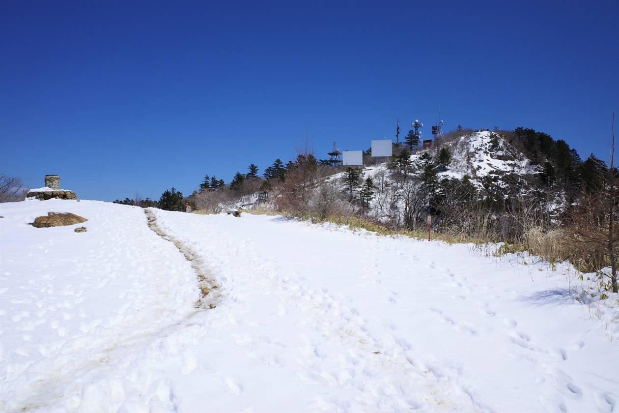 雪景色の三ッ峠山