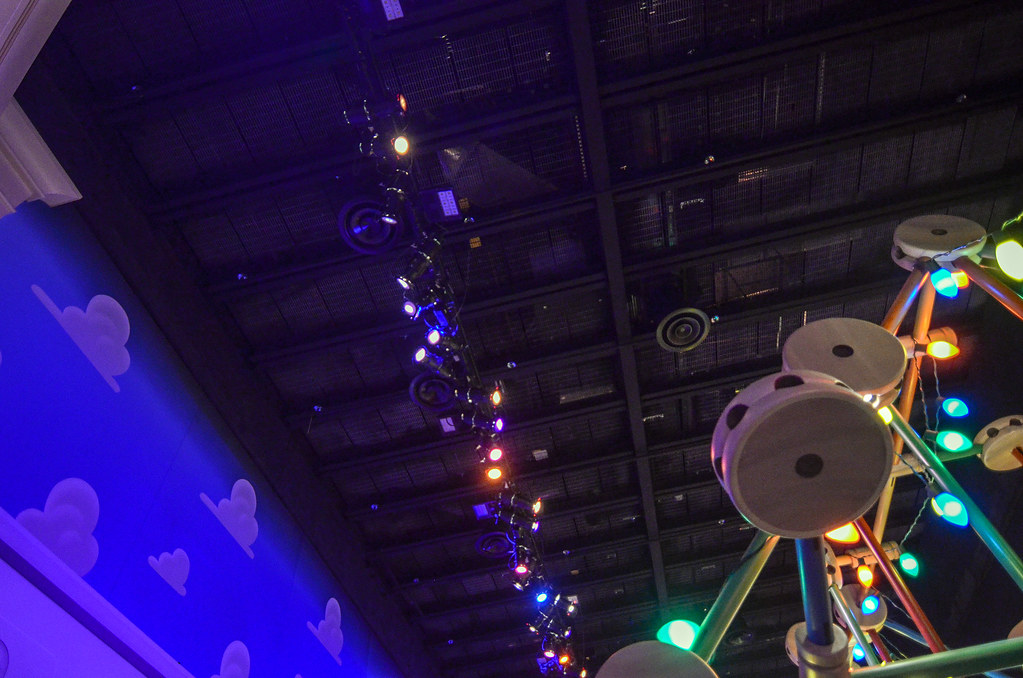 Toy Story Mania queue ugly ceiling DHS