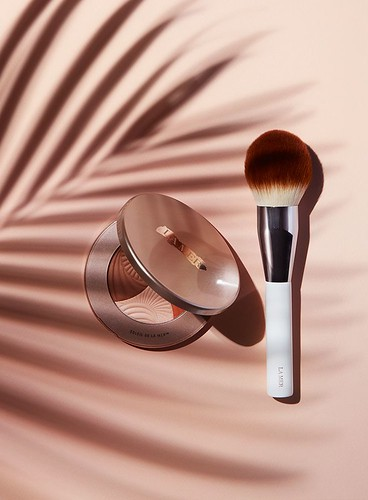 Highlight. Contour. Repeat. Master the art of a rosegold glow at LaMer.com | by miguelpaneto39975