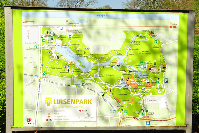 April 2019 ... Ostern im Luisenpark Mannheim ... Tulpen, Frühstück im Café Pflanzenschauhaus --- Heilkräutergarten ... Foto: Brigitte Stolle