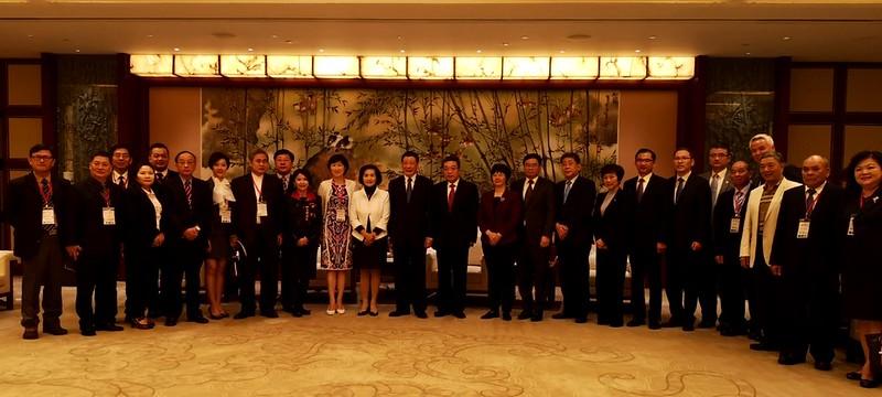 拜訪上海市政府 (1)