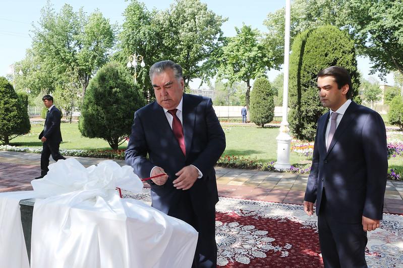 Лидер нации Эмомали Рахмон открыл Амфитеатр Парка культуры и отдыха имени Абулькасима Фирдавси