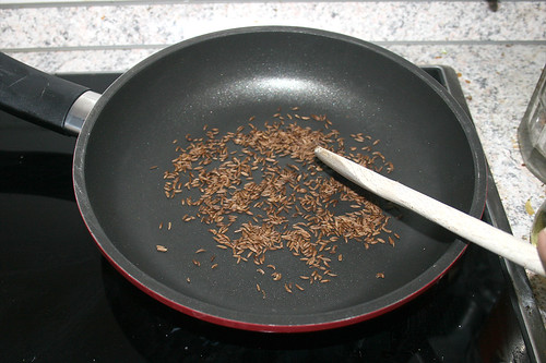 05 - Kümmelsamen ohne Öl rösten / Roast caraway seeds without oil