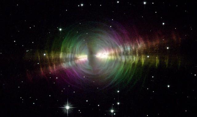 VCSE - A Tojás-köd, tudományos jelzésével RAFGL 2688 a Hubble Űrtávcső felvételén - HST