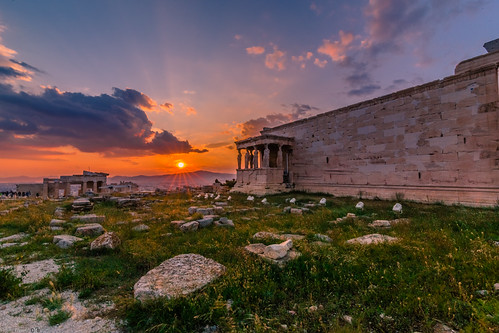 acropolis athens ancient architecture archaelogical archaeology view sun sunset statue april spring 2019 europe greece sunburst sunrays nature tokina 1628mm canon 6d