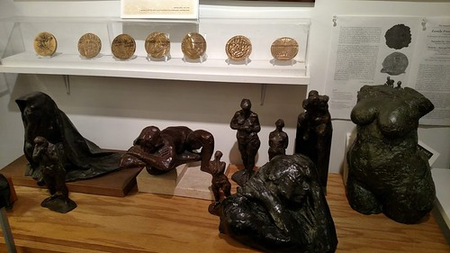 Medialia sculpture