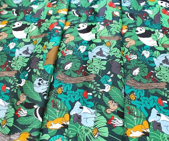 Paintbrush Studio Fabrics Menagerie 120-99700 Animal Gathering