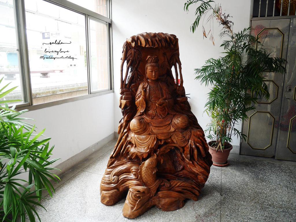 苗栗旅遊三義車站木雕 (2)