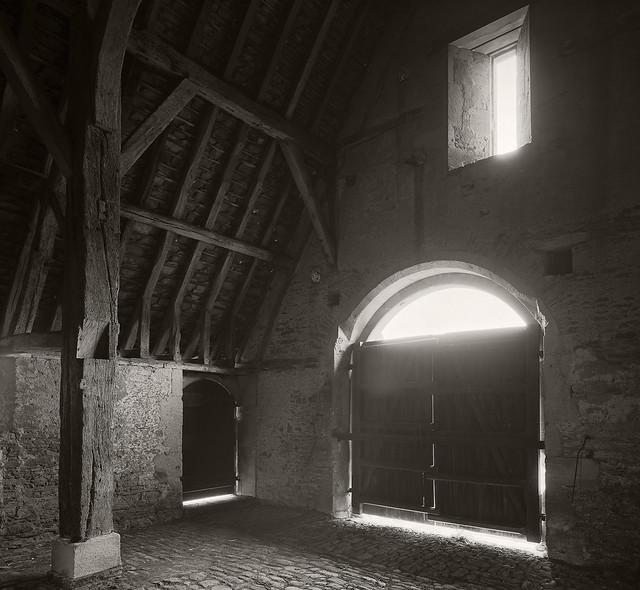 Great Coxwell Barn Porch 8x10 FP4+  º»