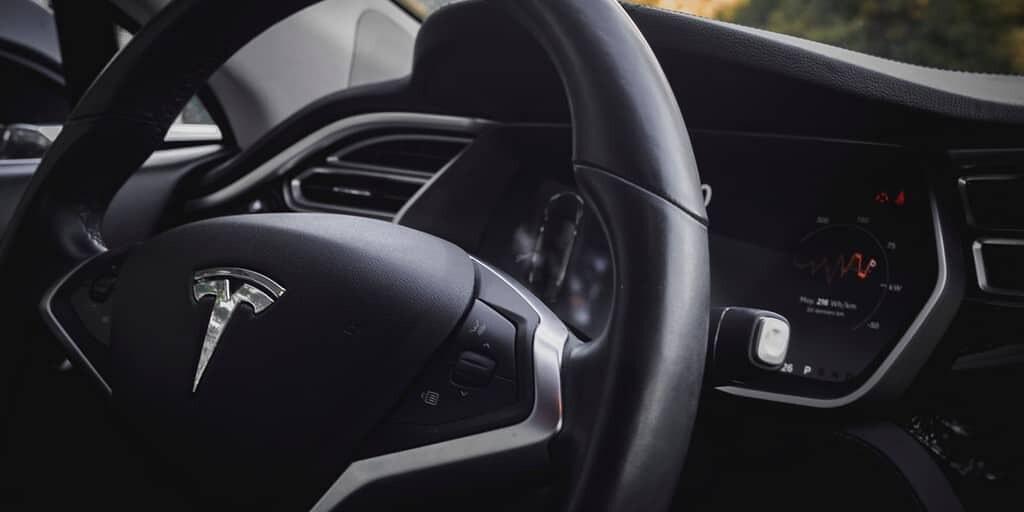 taxi-autonome-tesla-musk-2020