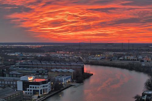 wilmington delaware christinariver sunrise water river glow sky red city landscape cityscape dawn hdr aurorahdr2018 canon eos5dmarkiv