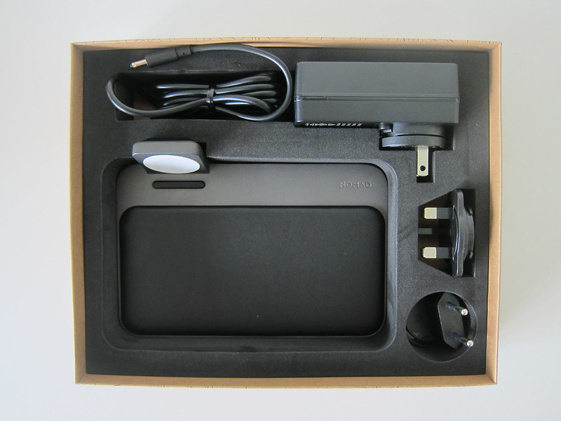Nomad Base Station Apple Watch Edition - Box Open