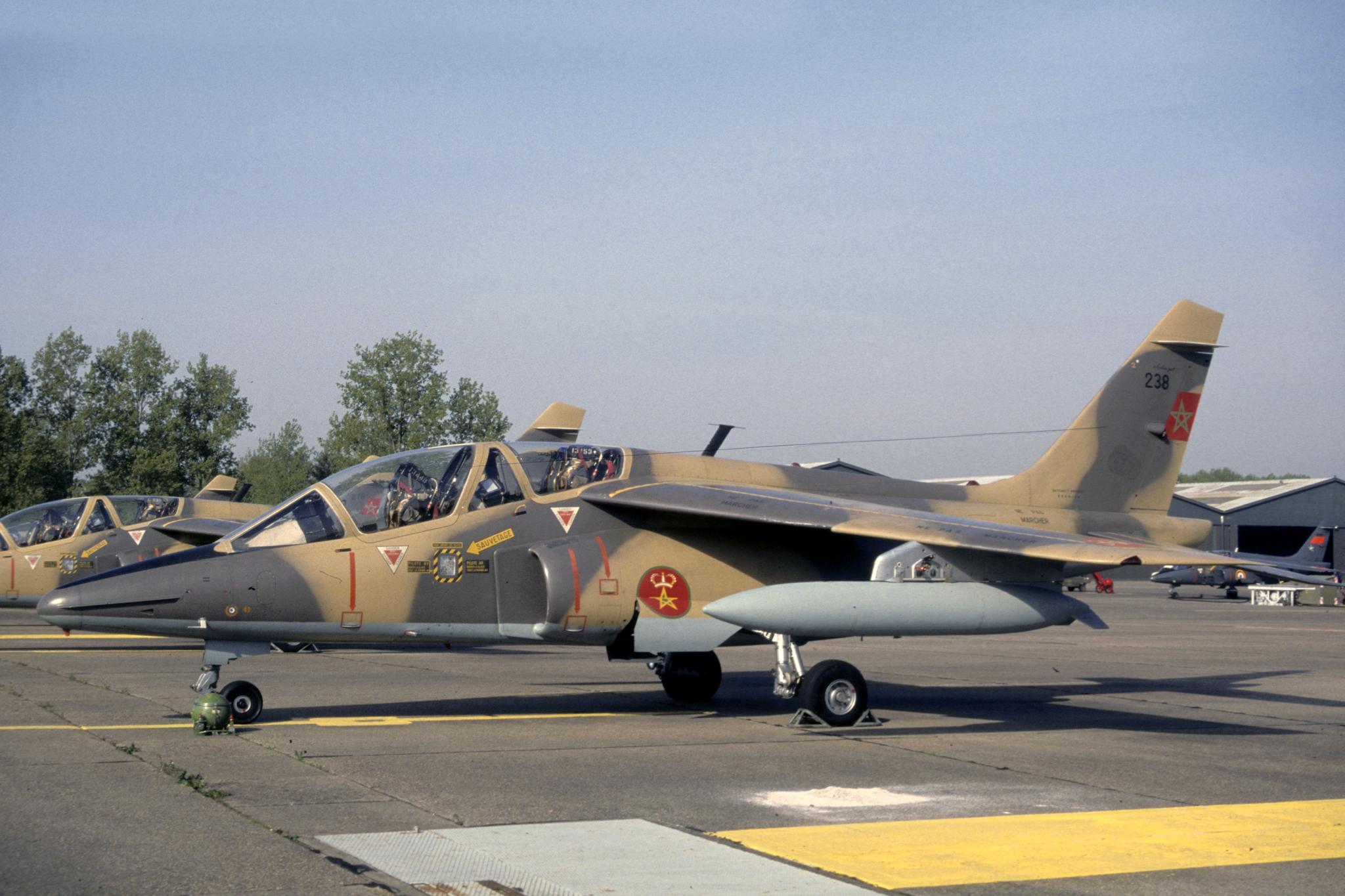 FRA: Photos avions d'entrainement et anti insurrection - Page 9 32731429137_925367d8b1_o