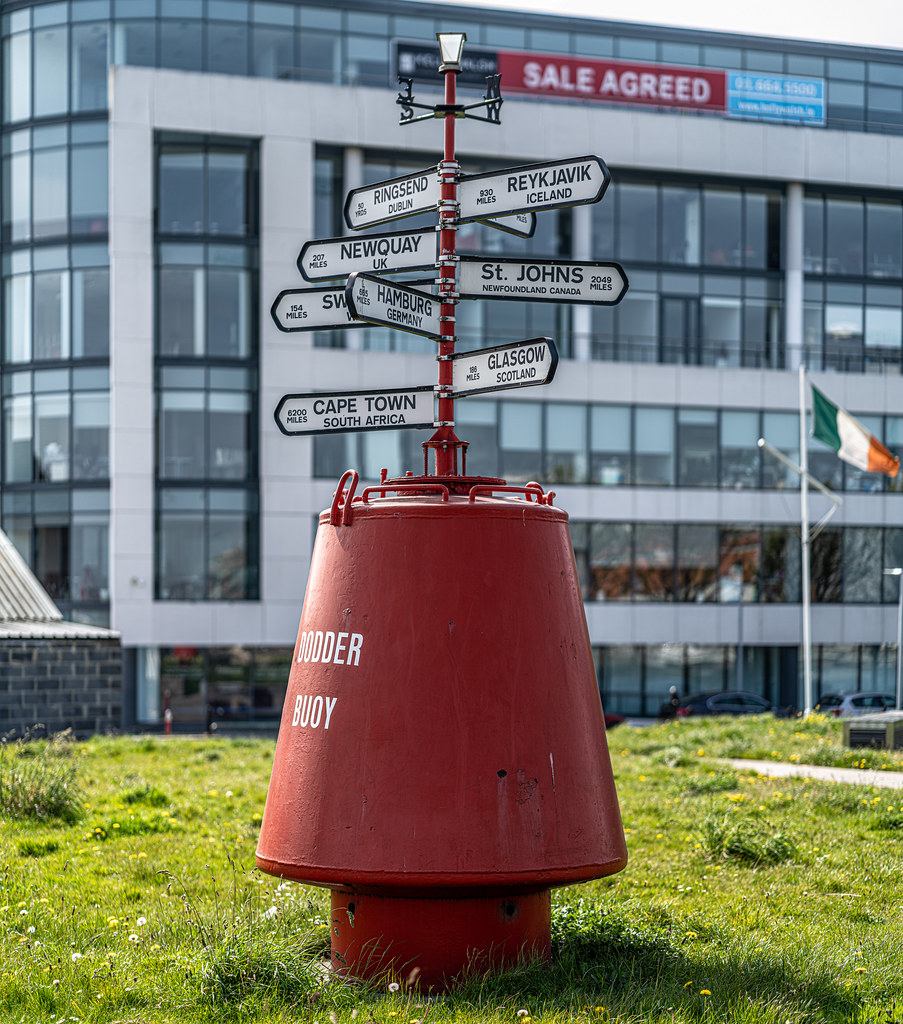WAY FINDER IN THE DOCKLANDS