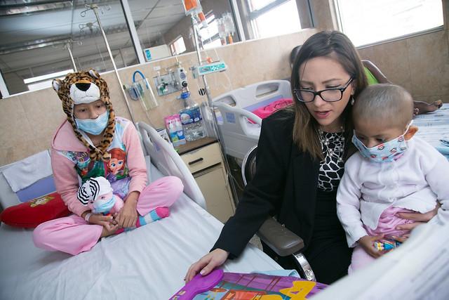 Inauguración del Mundo de Letras en Hospital Baca Ortiz