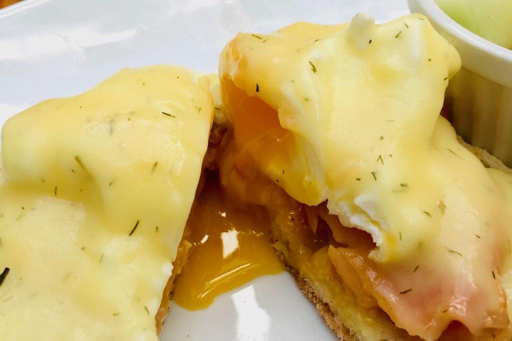 vernon-eggsbenny3