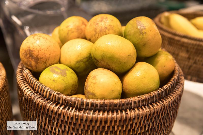 Thai oranges