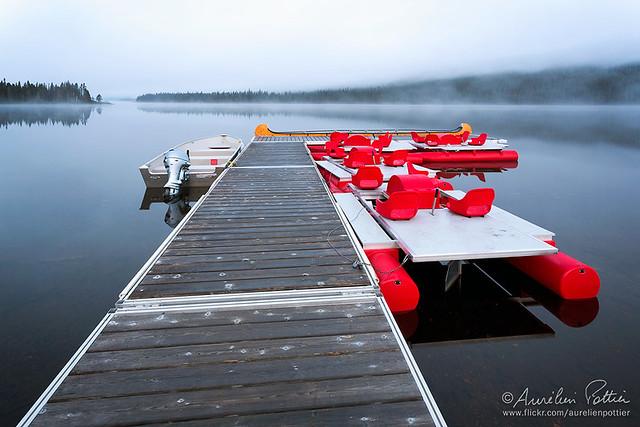Lac Cascapédia, Quai, pédalos à l'aube