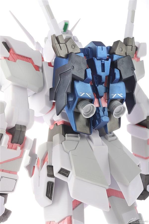 忠實再現台場立像!《機動戰士鋼彈UC》RX-0 獨角獸鋼彈 Ver.TWC 軟膠模型(ユニコーンガンダム Ver.TWC ADVANCED SOFVI-MODEL)