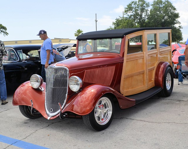 34 FORD WOODY WAGON