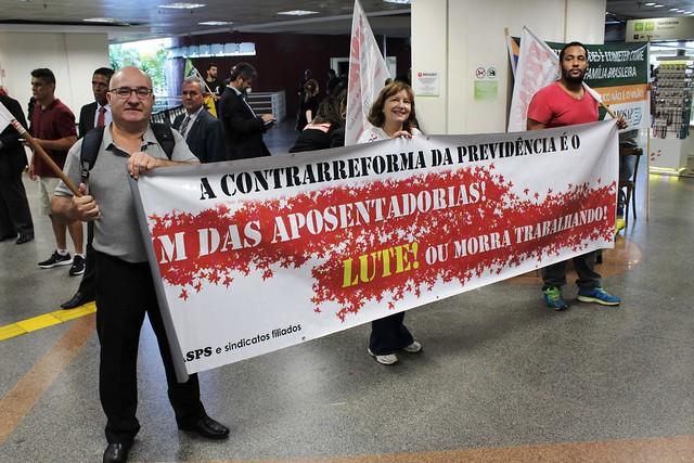 Ato no aeroporto de Brasília contra a reforma da Previdência - 23 de abril de 2019