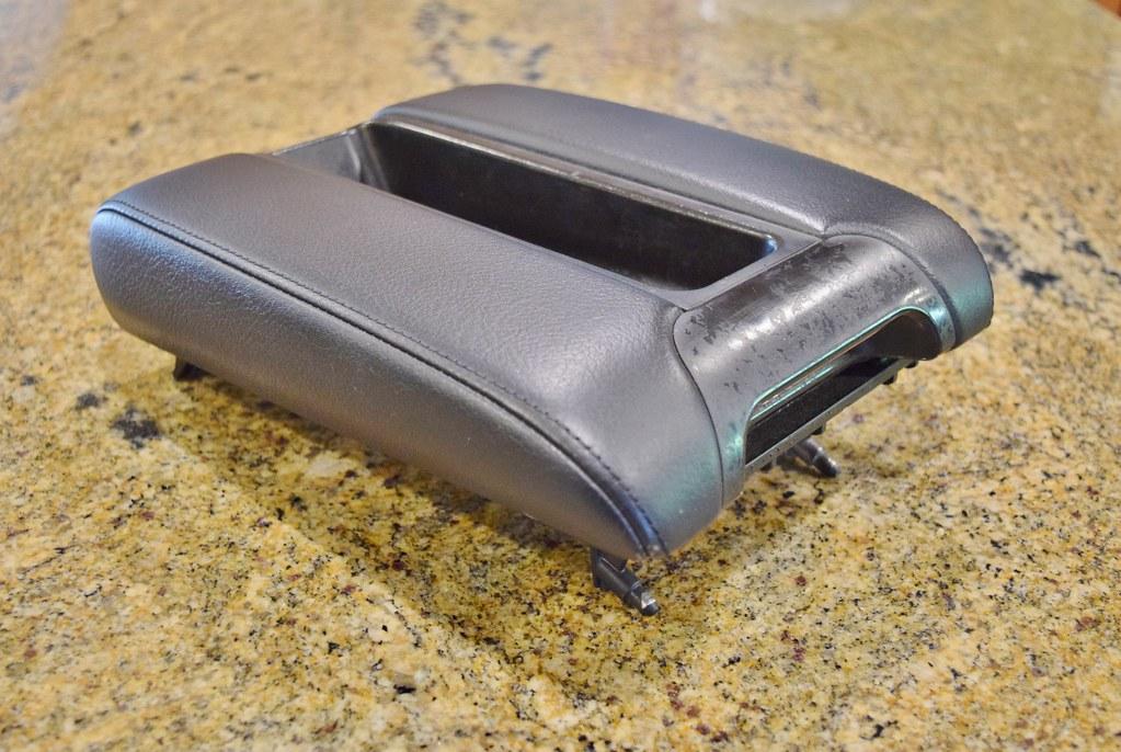 E39 Black Montana Leather Armrest