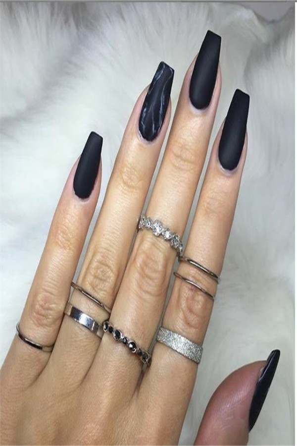 Top 33 Perfect Black Gel Nail Art Designs Trends 2019 #nail_art_designs #trendy_nails #black_nails #gel_manicure