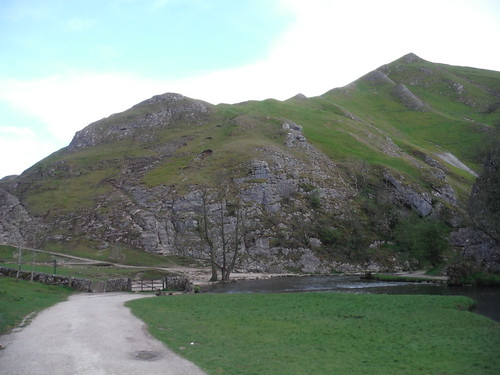 Thorpe Cloud and Bend in River by the Stepping Stones SWC Walk 326 - Dovedale (Ashbourne Circular)