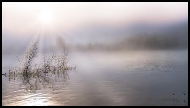 Lueur sur le lac