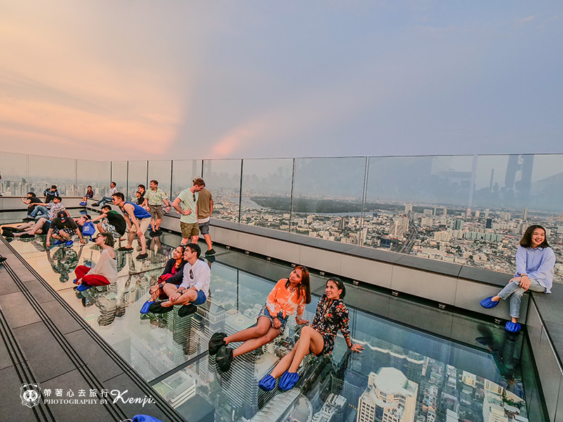 mahanakhon-skyWalk-25