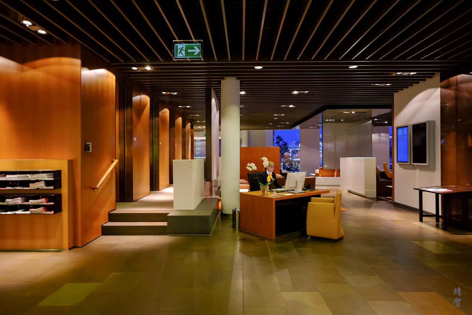 Central foyer of the lounge