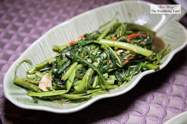 sผัดผักบุงกระเทียมโทน  Phad Phak BoongKra Tieam Thone - Sautéed morning glory with garlic, chilli and bean paste