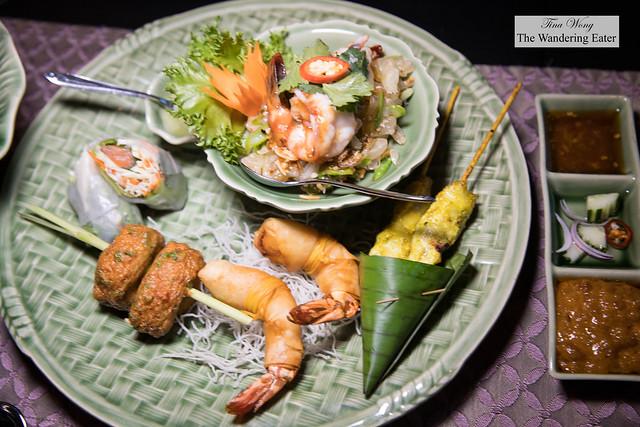ไทยทาปาส Thai Tapas - Chicken Satay, Poh Pia Pla Salmon, Goong Hom Sabi Moo Sub,Yum Som O, Thord Mun Pla