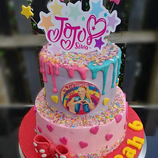Cake by Emiliya Kolkutina of Emiliya's Cakes