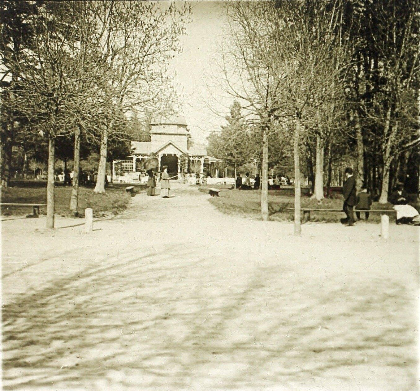 Петровский парк. Музыкальный павильон на Большом кругу. 1913