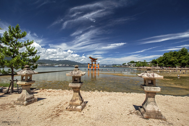 Stone Lanterns, Itsukushima Shrine - Miyajima Island (Japan)