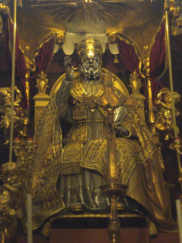 002-алтарь с мощами св. Сикста I
