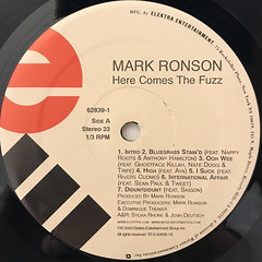 MARK RONSON:HERE COMES THE FUZZ(LABEL SIDE-A)