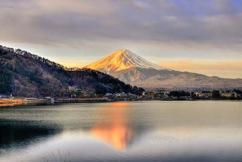japan yamanashiprefecture fujihakoneizunationalpark fujikawaguchiko fujiyoshida mountfuji sunrise scenery landscape outdoors fujifivelakes lakekawaguchi reflection 日本 山梨縣 富士箱根伊豆國立公園 富士吉田市 富士五湖 富士山 逆富士 河口湖町 河口湖 晨曦 日出 倒映